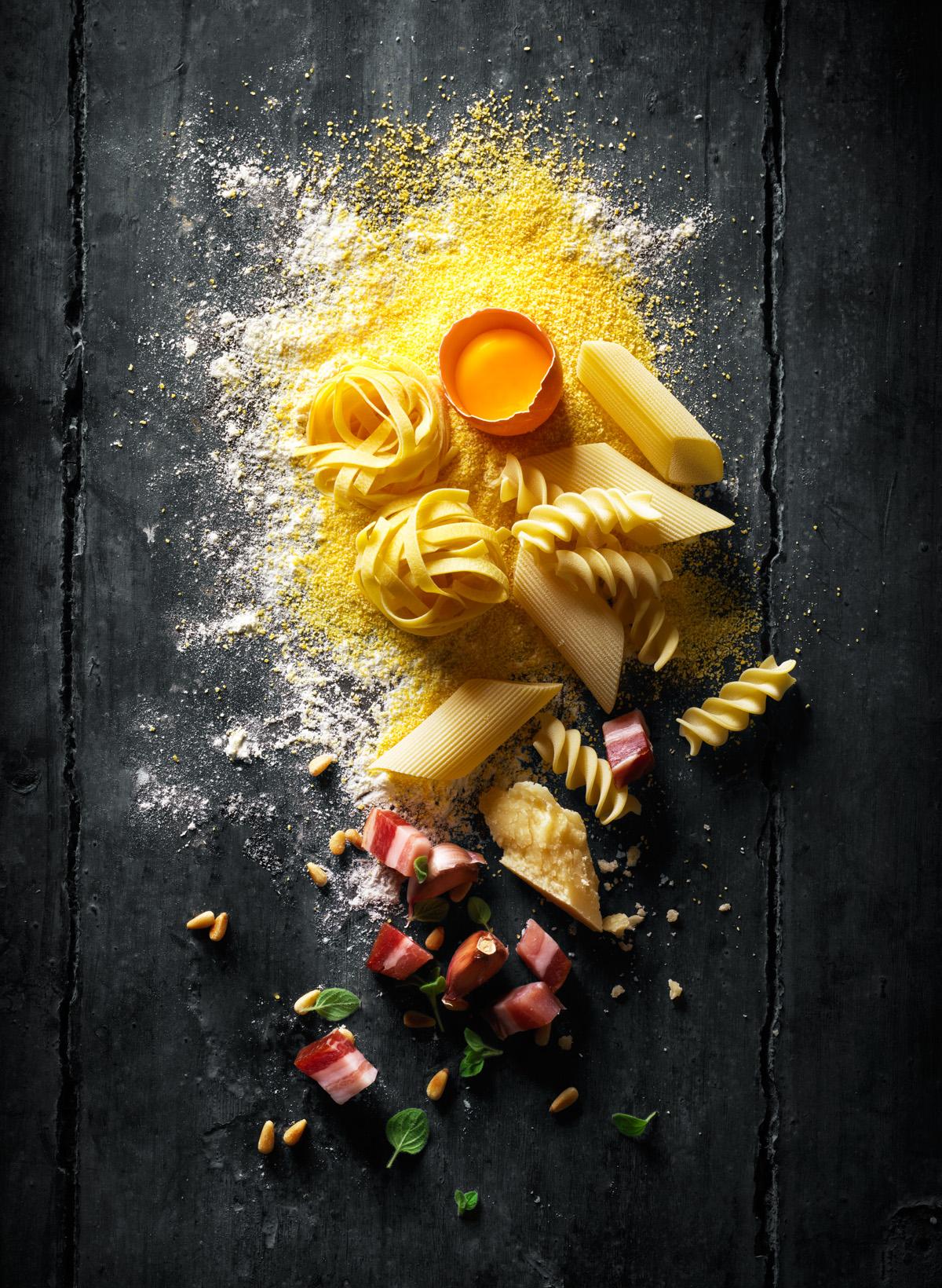 Bijenkorf Kitchen Pasta Instore Poster
